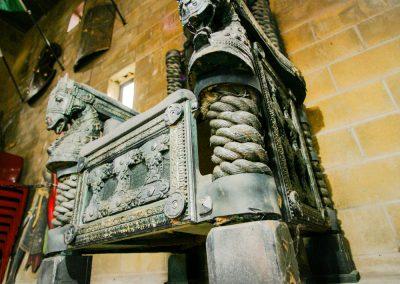 Zena's warrior throne