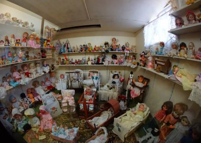 inside the dollmuseum